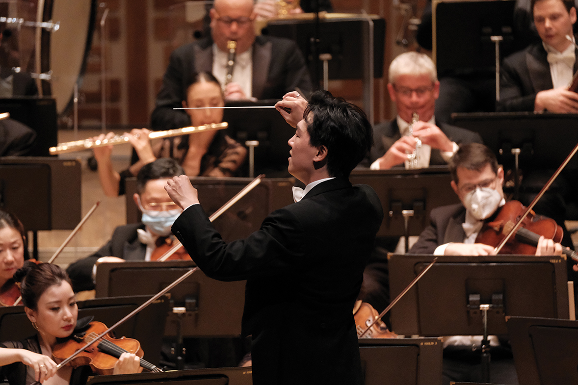 Conductor of the concert, Lio Kuok Man. (Photos credit: Ka Lam / HK Phil)