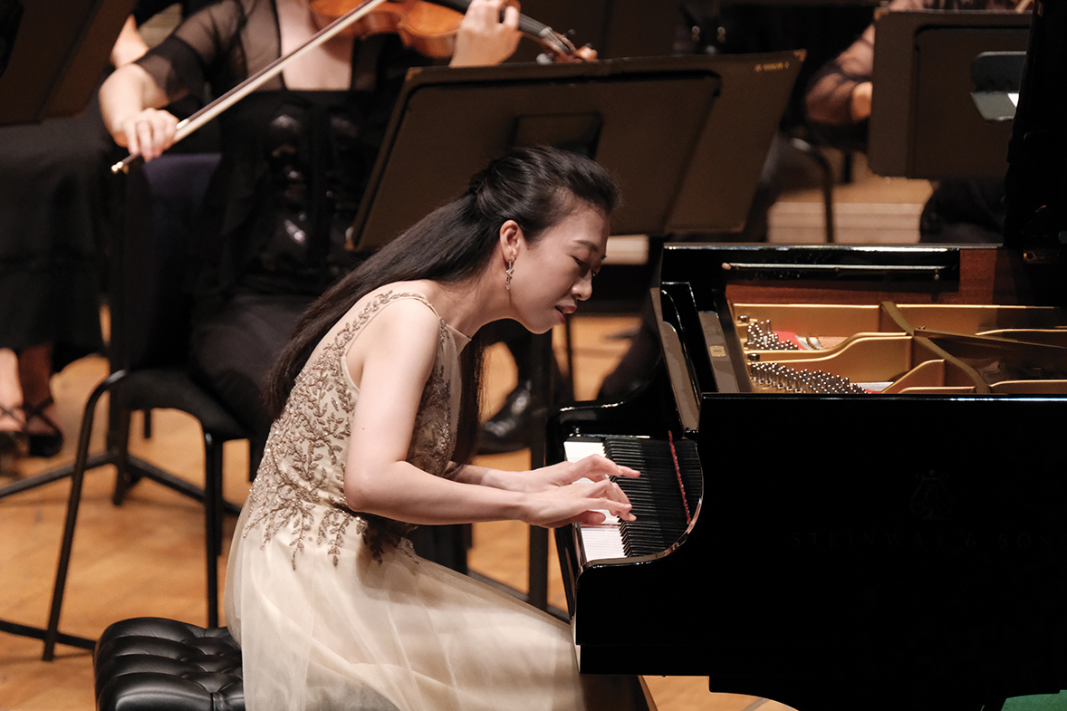 Pianist Colleen Lee. (Photos credit: Ka Lam / HK Phil)